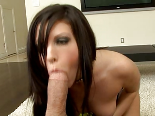 She Sucking Cock……… A Big Big Cock