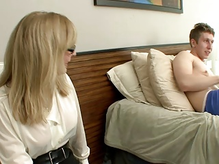 Mom Catches Not Virgin Son Masturbating–daddi
