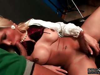 PinkOShemales Sexy Big Tits Blonde Shemale Loves To Fuck