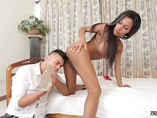 Lucky Guy Blows A Brazilian Tranny And Licks Her Shemale Ass