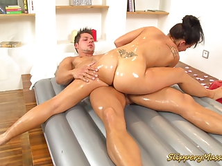 Slippery Massage Babe Sucking Big Cock And Squizing Tits