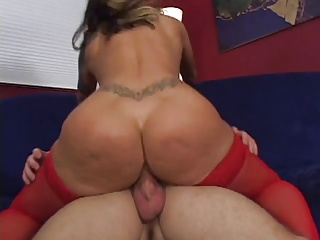 Tattooed MILF Shows Off Her Nice Curvy Ass For Lucky Guy Then Gets Fucked