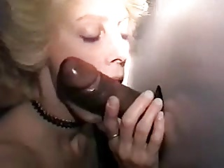Cuckold – Interracial Multi-Orgasmic Mary's Gloryhole